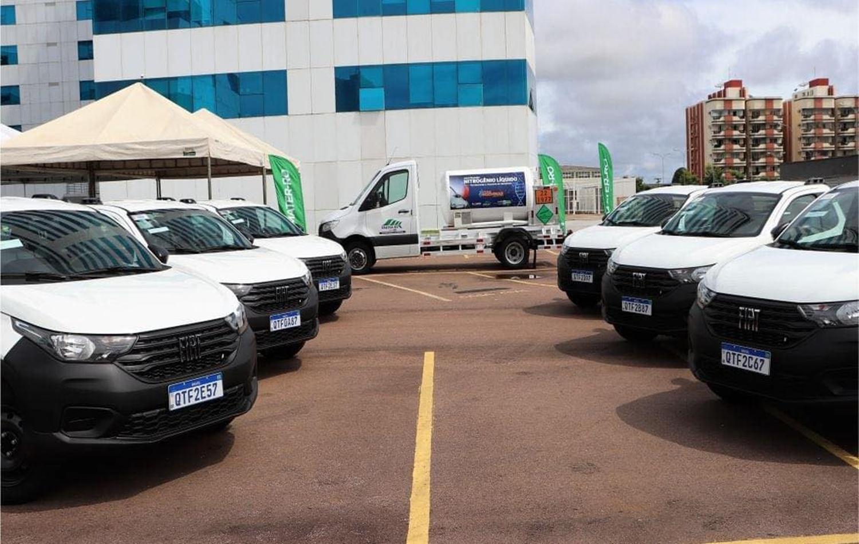 Veículos entregues para a EMATER